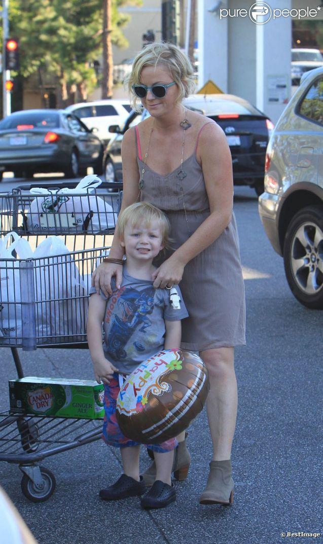 Amy Poehler avec ses fils Abel et Archie à Beverly Hills le 1er septembre 2012