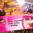 Nadège grande gagnante de la finale Secret Story 6 avec son chèque, vendredi 7 septembre 2012 sur TF1