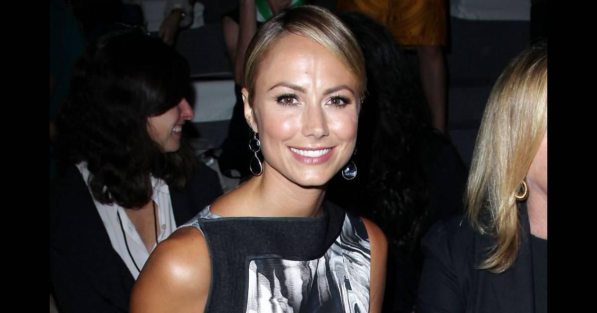 La ravissante Stacy Keibler, sans son compagnon George ...