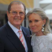 Roger Moore s'ouvre : James Bond a été battu par ses deux premières femmes