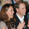 Le prince William et son épouse Catherine lors de la visite du Queenstown Rainbow Center le 12 septembre 2012 à Singapour