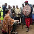 Le prince Joachim de Danemark en visite dans un village masai de Tanzanie le 3 septembre 2012.