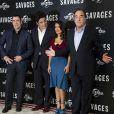 John Travolta, Benicio del Toro, Salma Hayek et Oliver Stone lors de la présentation du film Savages à Londres le 19 septembre 2012