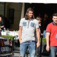 Zlatan Ibrahimovic s'est offert un déjeuner en compagnie d'un ami au restaurant L'Avenue à Paris le 19 septembre 2012