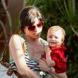 L'actrice Selma Blair et son fils, Arthur à Los Angeles - septembre 2012.