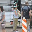 Jennifer Aniston tourne la comédie  We're the Millers  avec un faux bébé et un sombrero, le 25 septembre au Nouveau-Mexique.