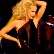 Jerry Hall ne vieillit pas : à 56 ans, elle danse un cha-cha-cha enflammé
