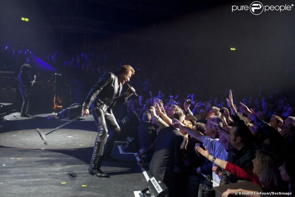 EXCLU : Johnny Hallyday sur la scène du Royal Albert Hall à Londres, le 15 octobre 2012.