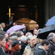 Obsèques de Frank Alamo : Le chagrin de sa femme, la chanson française en pleurs