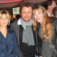 Julie Depardieu entourée de Marina Foïs et Alexandre Brasseur lors de la soirée Motorola à la boutique Citadium à Paris le 23 octobre 2012.