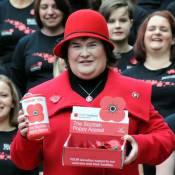 Susan Boyle : Reine des coquelicots pour le Poppy Appeal