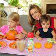 Denise Richards et ses trois filles profitent d'un brunch spécial Halloween à Los Angeles le 7 octobre 2012.