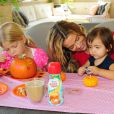 Denise Richards et ses enfants profitent d'un brunch spécial Halloween à Los Angeles le 7 octobre 2012.