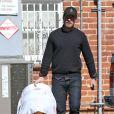 Drew Barrymore, son mari et leur fille Olive sont allés déjeuner dans un restaurant à Los Angeles, le 25 octobre 2012.
