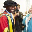 Fabrice Muamba remercie les médecins qui lui ont sauvé la vie après avoir été fait membre honorifique de l'université de Bolton en l'honneur de ces derniers, le 12 juillet 2012 à Bolton