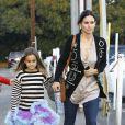 Courteney Cox et sa fille Coco dans Brentwood, Los Angeles, le 31 octobre 2012.