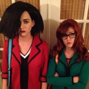 Katy Perry : Méconnaissable et décalée pour Halloween avec Rose McGowan