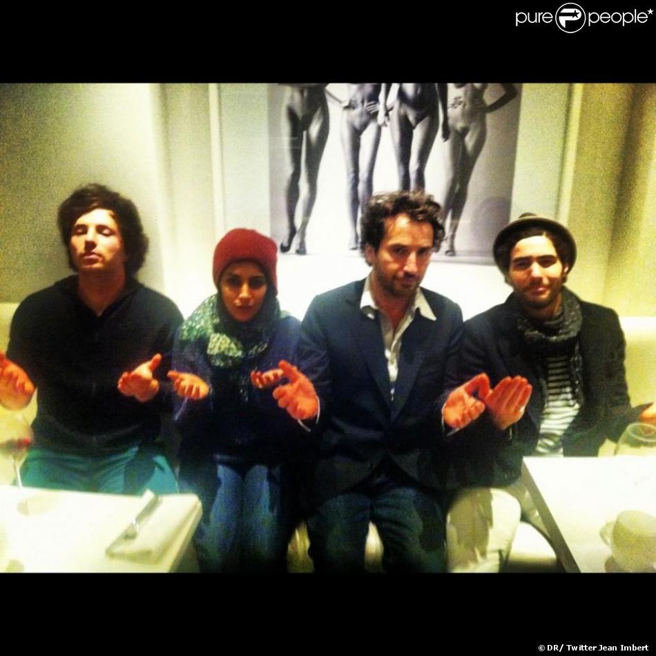 """Jean """"convoque les dieux de la cuisin""""e avec Leïla Bekhti, Edouard Baer et Tahar Rahim dans son restaurant L'Acajou dans le 16e arrondissement de Paris"""