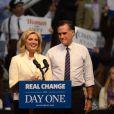 Mitt Romney et son épouse Ann en meeting dans le New Hampshire, le 5 novembre 2012.
