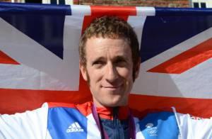 Bradley Wiggins renversé par une voiture : Le vainqueur du Tour hospitalisé