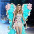 La jolie française Constance Jablonski au défilé Victoria's Secret le 7 novembre 2012
