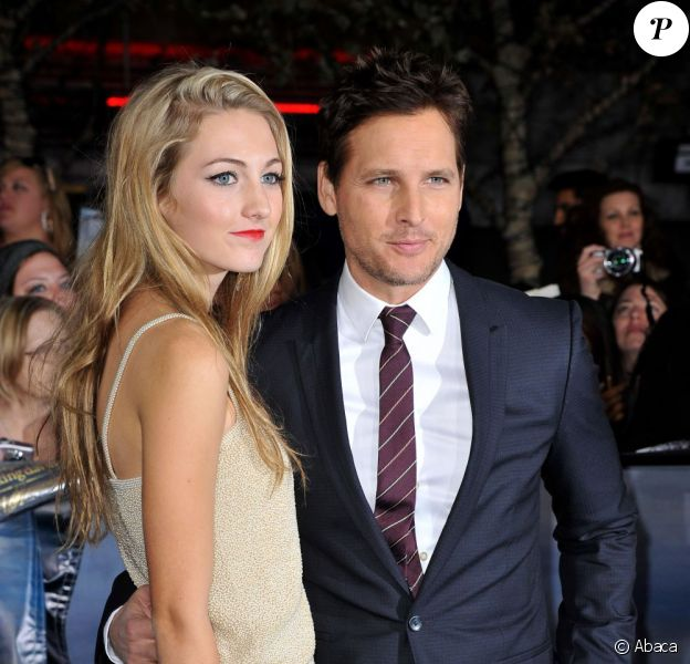 Peter Facinelli et sa fille Luca lors de l'avant-première du film Twilight - chapitre 5 : Révélation (2e partie) à Los Angeles le 12 novembre 2012