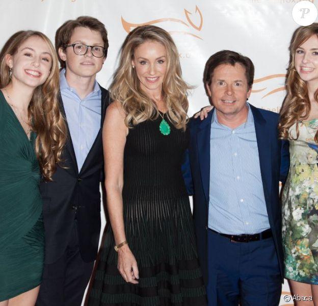 Michael J. Fox, son épouse Tracy Pollan et leurs enfants Aquinnah, Sam et Schuyler à la soirée de charité A Funny Thing Happened On The Way To Cure Parkinson au Waldorf Astoria de New York, le 10 novembre 2012.