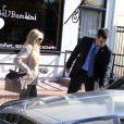 Petra Ecclestone embarque dans sa discrète voiture après avoir fait ses courses au Bel Bambini de Los Angeles le 10 novembre 2012