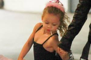 Nicole Richie, détendue puis stylée, avec sa fille Harlow, adorable ballerine