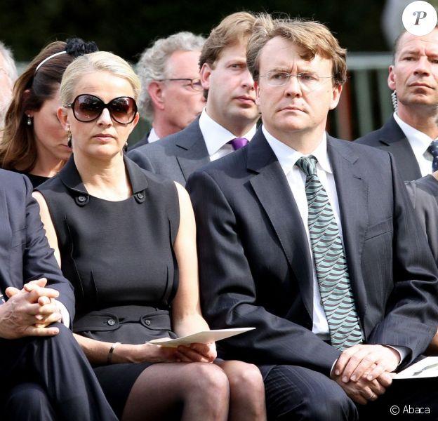 Le prince Friso d'Orange-Nassau et la princesse Mabel le 29 avril 2010 lors de commémorations à Apeldoorn.