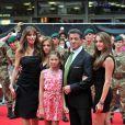 Sylvester Stallone avec ses filles Sophia, Scarlet, Sistine et sa femme Jennifer, à l'avant-première de Expendables à Londres le 13 août 2012.