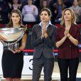 Fernanda Ameeuw et Charlotte Casiraghi ont récompensé le cavalier néerlandais Marc Houtzager lors du Grand Prix du Gucci Paris Masters le 2 décembre 2012 à Villepinte.
