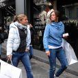 Roberta Vinci et Sara Errani après avoir fait du shopping dans la boutique Armani de Milan le 2 décembre 2012