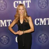 CMT Artists of the Year : Hayden Panettiere, Sheryl Crow glamour sur red carpet