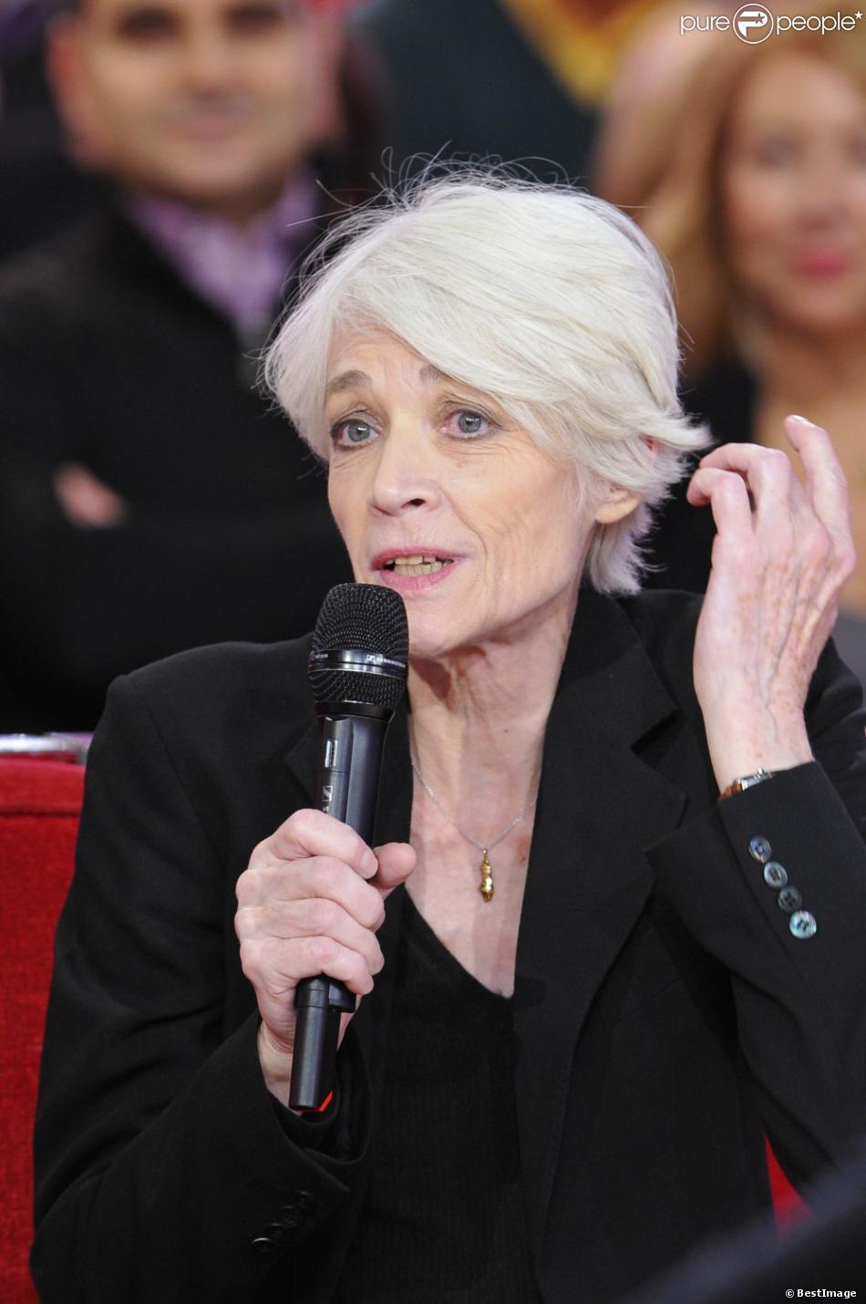 Françoise Hardy à Paris le 30 Octobre 2012 lors de l'enregistrement de  Vivement dimanche.