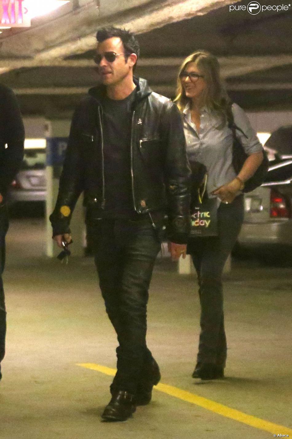 Jennifer Aniston et son fiancé Justin Theroux à Beverly Hills le 8 décembre 2012