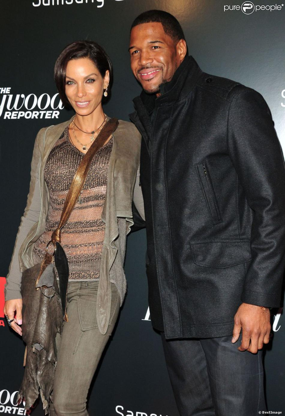 strahan divorced singles No topic was off limits when michael strahan sat down with barbara walters for her 10 most fascinating people of 2014 special sunday night -- not even his bitter 2006 divorce the 42-year-old live with kelly and michael co-host kept it positive when walters pressed him for details on his.
