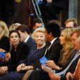 La famille royale des Pays-Bas (la reine Beatrix, le prince Willem-Alexander, la princesse Maxima, le prince Constantijn, la princesse Laurentien et la princesse Mabel) procédait le 12 décembre 2012 à la remise à Eloisa Cartonera du Prix Prince Claus décerné par la fondation Prince Claus, coprésidée par le prince Constantijn et le prince Friso. Ce dernier est toujours dans le coma, à Londres.