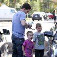 Mark Wahlberg et ses fils Michael et Brendan à Beverly Hills, le 15 décembre 2012.