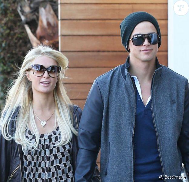 Paris Hilton et son chéri River Viiperi se promènent à West Hollywood, le 13 decembre 2012.
