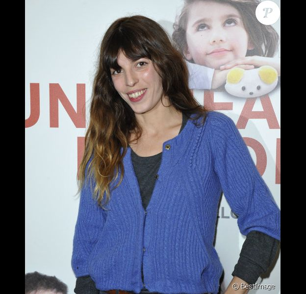 Lou Doillon à l'avant-première du film Un enfant de toi à Paris le 18 decembre 2012.