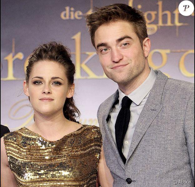 Kristen Stewart et Robert Pattinson à l'avant-première de Twilight, chapitre 5 : Révélation - 2e partie à Berlin, en Allemagne le 30 novembre 2012.