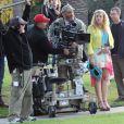 Busy Philipps sur le tournage du film  Cougar Town  à West Hollywood, le 19 décembre 2012. L'actrice se touche très discrètement le ventre.