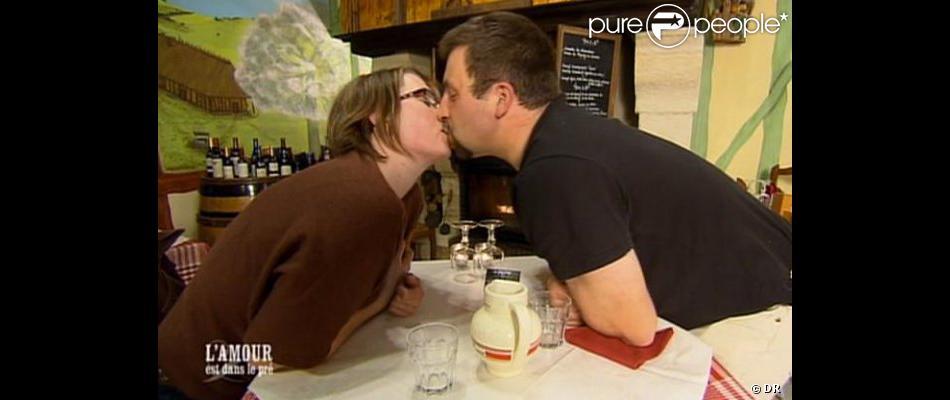 Sylvain et Valérie (L'Amour est dans le Pré 6) ont décidé d'emménager ensemble.