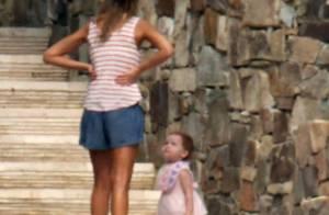 Jessica Alba en mini bikini avec mari et enfants au Mexique