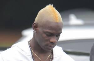 Mario Balotelli: Le bad boy du foot anglais vire au blond pour la nouvelle année