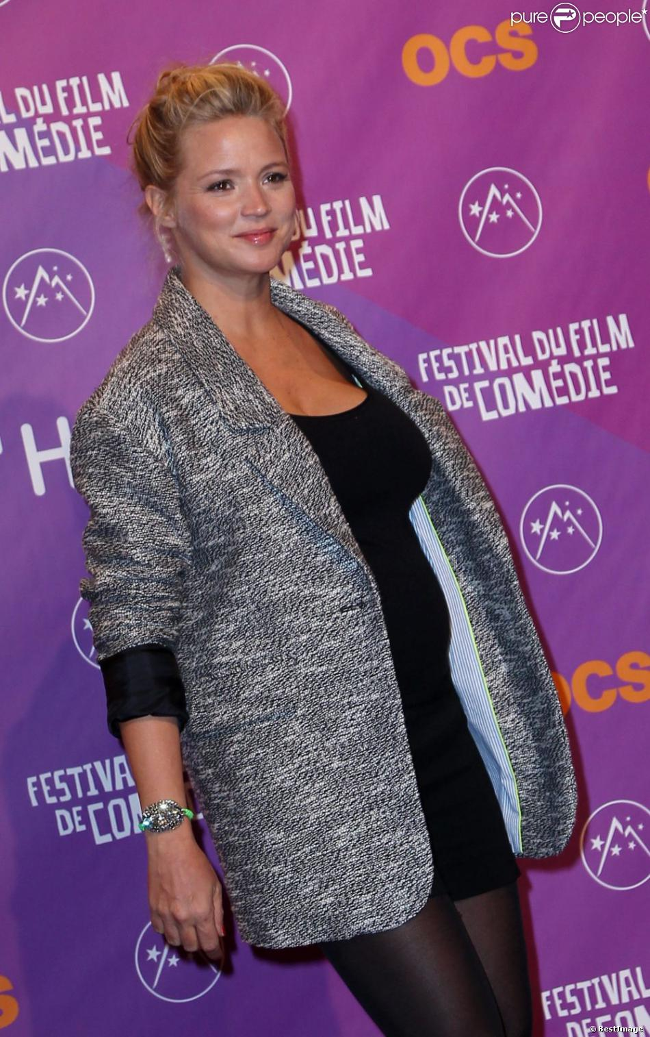 Virginie Efira est radieuse et émue lors de la soirée de clôture du Festival du film de comédie de l'Alpe d'Huez, le 19 janvier 2013.