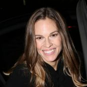 Hilary Swank : Remise de son agression, elle illumine Paris et la Fashion Week