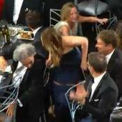 Jennifer Lawrence : Sa robe se décompose sous les yeux de Marion Cotillard