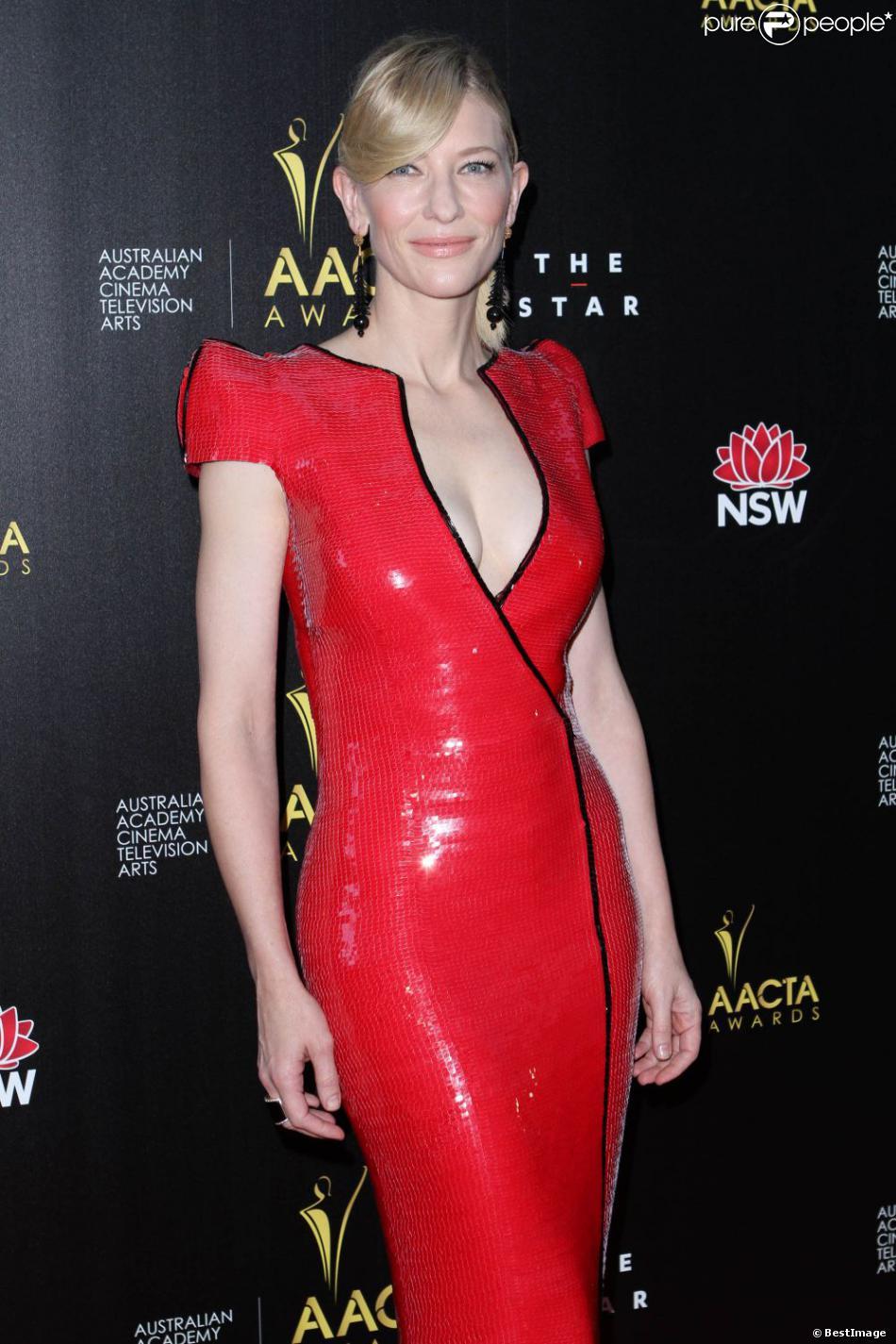 Cate Blanchett divine et sensuelle lors de la cérémonie des AACTA Awards à Sydney le 30 janvier 2013.